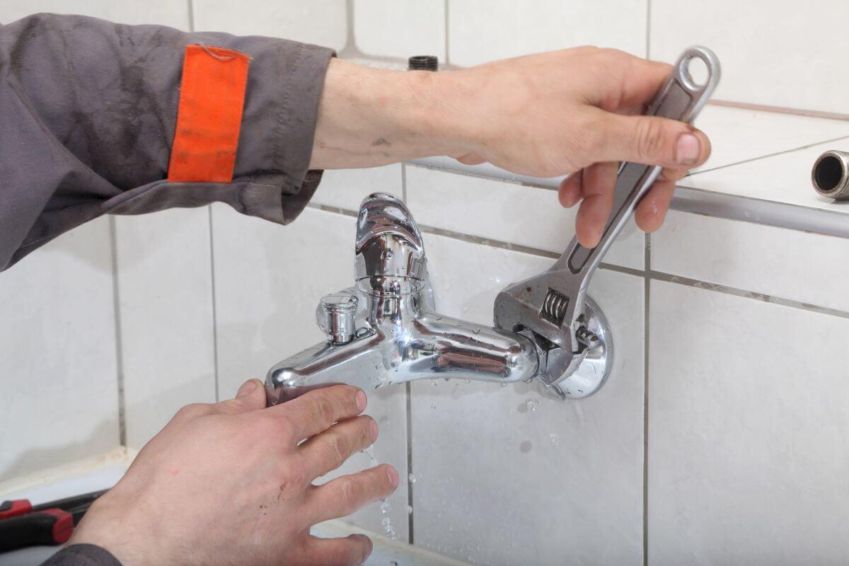 Hydraulik radzi: nie odkładaj w nieskończoność remontu łazienki